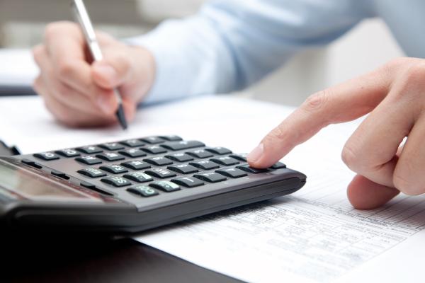 Saiba como usar a lei para reduzir ou até mesmo eliminar o pagamento de impostos sobre imóveis, aposentadoria, investimentos, carros, herança, viagens, educação e saúde